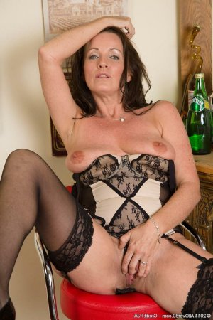 Vilayphone girls escort in Goldbach, BY